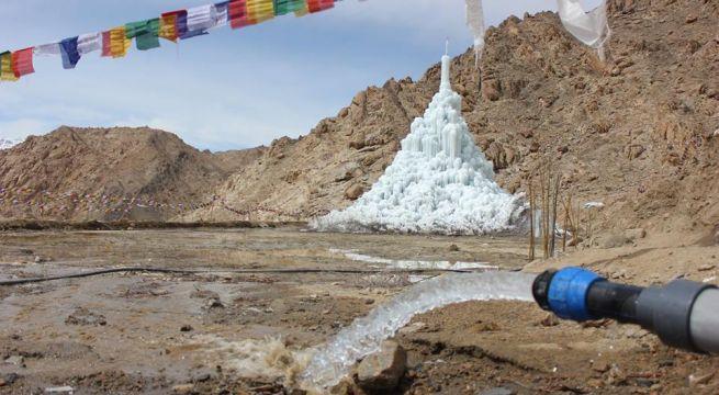 Afbeeldingsresultaat voor ice stupa's