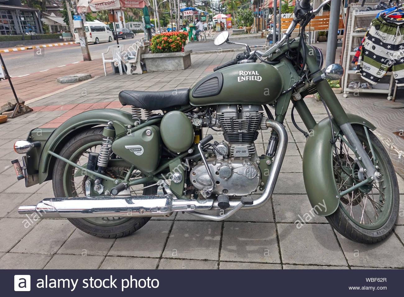 royal-enfield-motorcycle-classic-500-efi