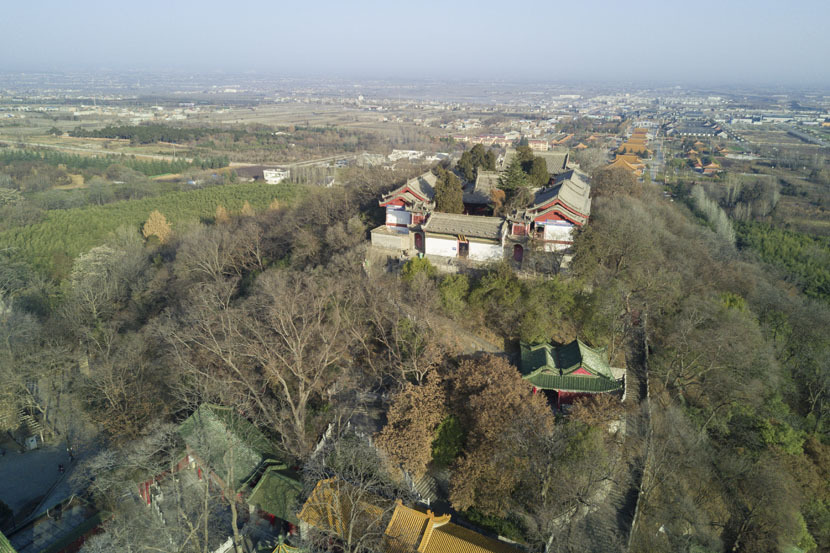 An aerial view of part of the Louguantai Temple complex, Tayu Village, Shaanxi province, Jan. 12, 2017. Thomas Cristofoletti for Sixth Tone