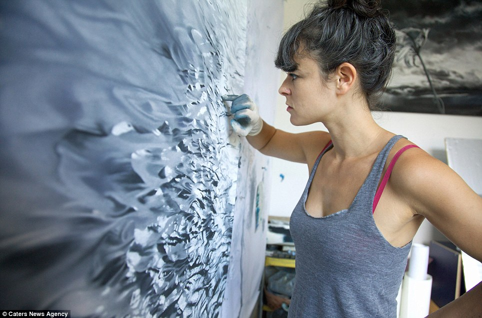 Photorealistic art of sea and ice created by artist Zaria Forman with her fingers | Daily Mail ...