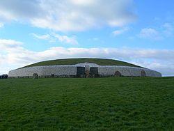 250px-Newgrange.JPG