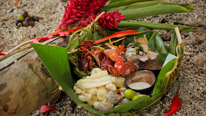 Coconut-Crab-and-Seafood-Platter.jpg?ito