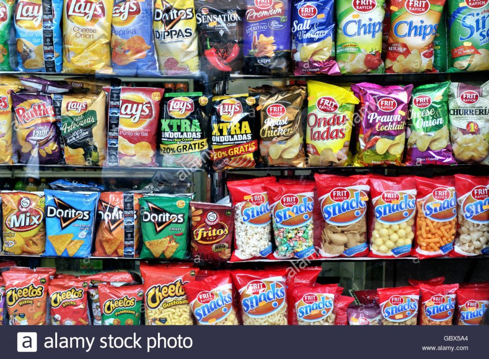 snacks-and-potato-chips-in-a-supermarket-barcelona-catalonia-spain-GBX5A4.jpg