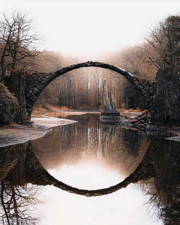 5e92483253ca7_circleoflightbridge.thumb.jpg.dcb969bbb5ff788f8d59381680ef7612.jpg